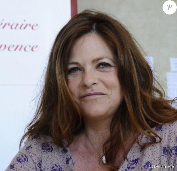 """Charlotte Valandrey - Première édition du festival littéraire """"Plumes de Stars"""" à Aix-en-Provence. Le 13 juin 2015."""