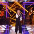 La chanteuse Sheila interprète Loin d'ici pour Le Grand Show en hommage à Michel Delpech, samedi 23 janvier 2016 sur France 2
