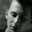 Black dans le clip de Wonderful Life (1987). Colin Vearncombe, de son vrai nom, a connu le succès avec le tube Wonderful Life. Auteur de quinze albums, poète et peintre, il a été victime le 10 janvier 2016 d'un grave accident de la route près de l'aéroport de Cork, en Irlande, et placé dans le coma...
