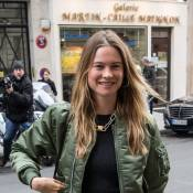 Behati Prinsloo vs Natasha Poly : Duel de tops lookés dans les rues de Paris