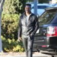 Exclusif - Jermaine Jackson, au téléphone, dans les rues de Los Angeles. Sa femme Halima Rashid vient d'être accusée de violences domestiques et a passé 5 heures en prison pour être ensuite relâchée après avoir payé 50.000 $ de caution. Le 2 décembre 2015