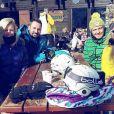 Stéphanie Clerbois entre amis à la montagne, février 2016.
