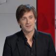 Thomas Dutronc fait des confidences sur l'état de santé de sa mère, Françoise Hardy. Radio Télévision Suisse. Février 2016.