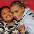 Katie Price avec son fils Harvey, fruit de sa relation avec Dwight York - Photo publiée le 25 février 2016