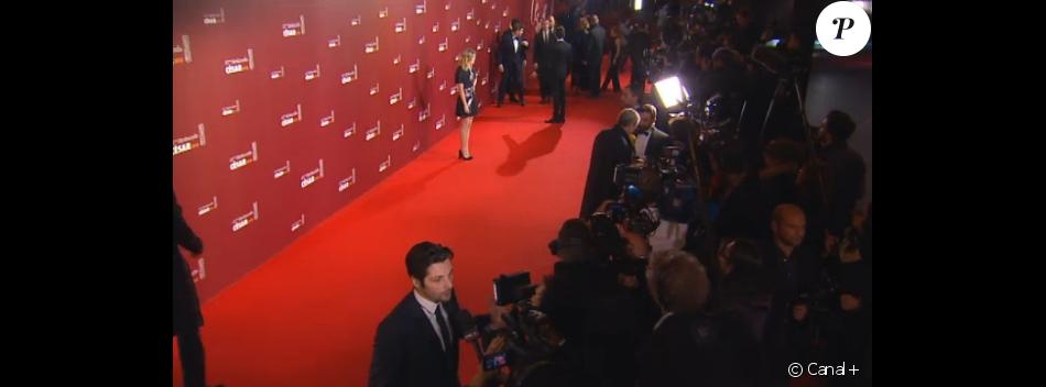 Louane Emera arrive aux César 2016.