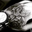 """Liam Payne et son nouveau tatouge """"roses""""."""