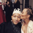 Chrissy Teigen a publié une photo avec son mari lors de sa baby shower sur sa page Instagram, le 6 mars 2016.