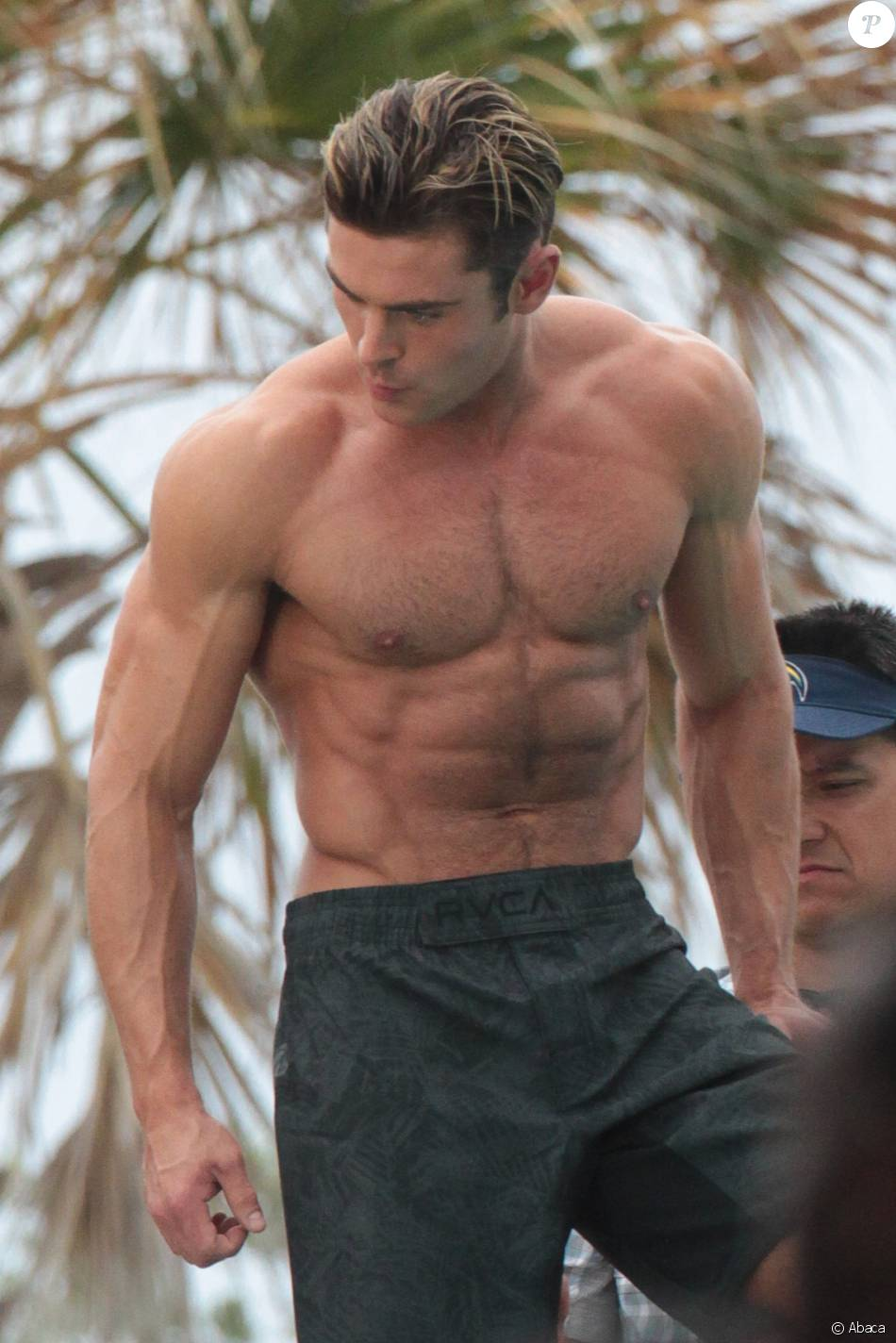 Zac Efron Muscle 51