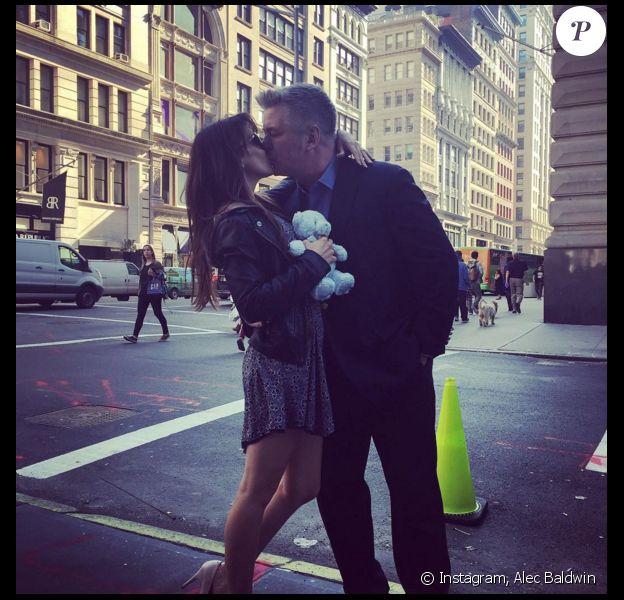 Alec Baldwin annonce que sa femme attend un troisième enfant (photo postée le 9 mars 2016)