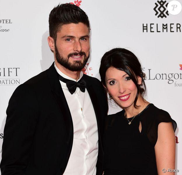 Olivier Giroud et sa femme Jennifer lors du 6e Global Gift Gala à Londres le 30 novembre 2015. Jennifer était alors enceinte de leur fils Evan, né le 7 mars 2016.