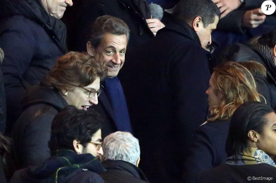 Nicolas Sarkozy avec ses fils Jean Sarkozy et Pierre Sarkozy - People au match de football PSG - Monaco au Parc des Princes le 20 mars 2016. © Cyril Moreau/Bestimage