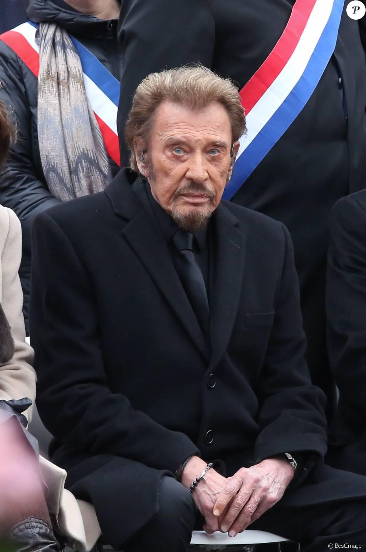 Johnny hallyday hommage rendu aux victimes des attentats - Johnny hallyday les portes du penitencier ...