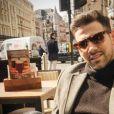 Sam Smith serait en couple avec le mannequin anglais Jay Camilleri, qui a publié une photo de lui sur sa page Instagram au mois de mars 2016.