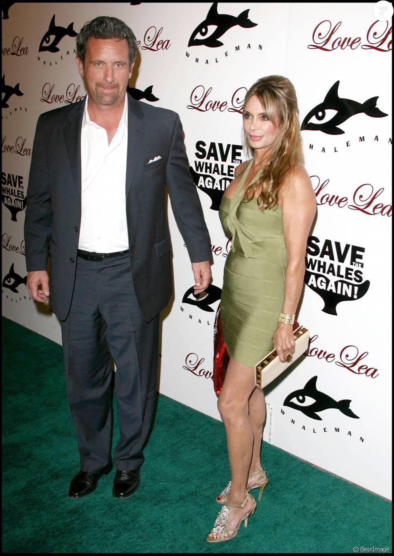 Lesley Vogel et son mari Alan Panettiere à une soirée de charité à Hollywood, le 15 novembre 2009