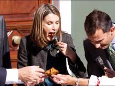 REPORTAGE PHOTOS : La princesse Letizia d'Espagne a... un bon coup de fourchette !