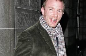 REPORTAGE PHOTOS : Depuis sa séparation avec Madonna, Guy Ritchie va... très bien !