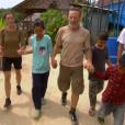 """Wendy et Alain profitent de l'épreuve de confort - """"Koh-Lanta 2016"""", épisode du 15 avril 2016, sur TF1."""