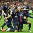 Les Parisiens en liesse après le but du 2-1 inscrit par Angel Di Maria en finale de la Coupe de la Ligue, au Stade de France. Saint Denis, le 23 avril 2016.