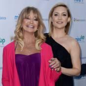Kate Hudson célèbre sa maman Goldie Hawn en chanson devant ses deux enfants