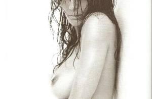 PHOTOS : La divine Helena Christensen, dans le plus simple appareil, vous souhaite une bonne nuit...