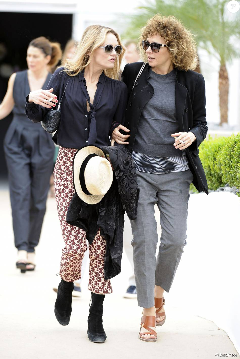 vanessa paradis et valeria golino au restaurant agora lors du 69 me festival international du. Black Bedroom Furniture Sets. Home Design Ideas