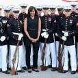 Michelle Obama - Cérémonie d'ouverture des Invictus Games à Orlando. Le 8 mai 2016  First Lady Michelle Obama poses with the US Marine Corps Silent Drill Platoon ahead of the Opening Ceremony of the Invictus Games Orlando 2016 at ESPN Wide World of Sports in Orlando, Florida.08/05/2016 - Orlando