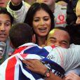 Lewis Hamilton embrasse son frere Nick devant Nicole Scherzinger  al'arrivee du Grand Prix du Bresil 2008