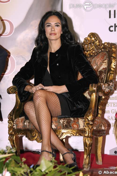 Maria Grazia Cucinotta à la Foire de la truffe à Asti, le 3/11/08