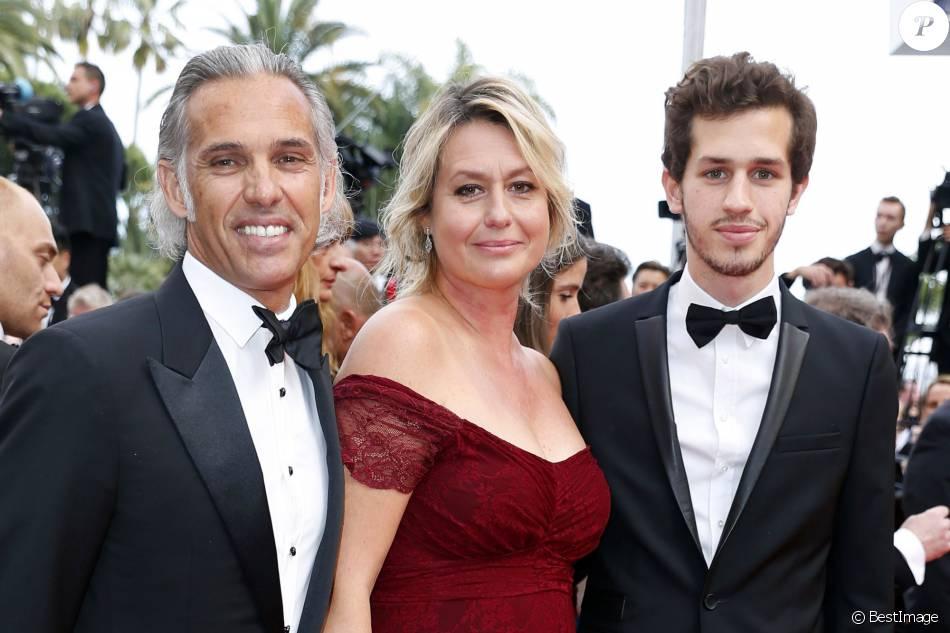 Cannes paul belmondo avec luana et leur fils mel gibson for Africa express maison des jeunes