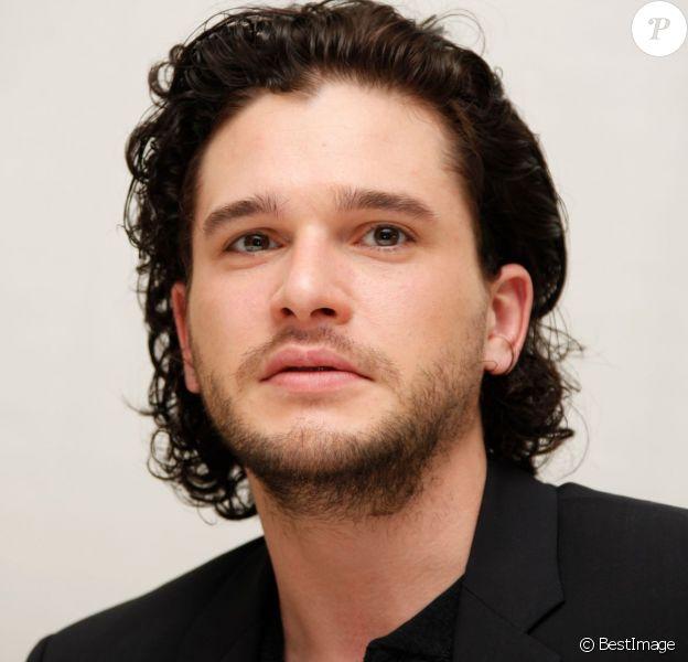 """Kit Harington - Conférence de presse de la série """"Game of Thrones"""" à Beverly Hills le 25 mars 2015."""