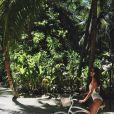 La bombe April Love Geary profite de ses vacances aux Maldives avec son amoureux, le chanteur Robin Thicke. Photo publiée sur Instagram, le 31 mai 2016.