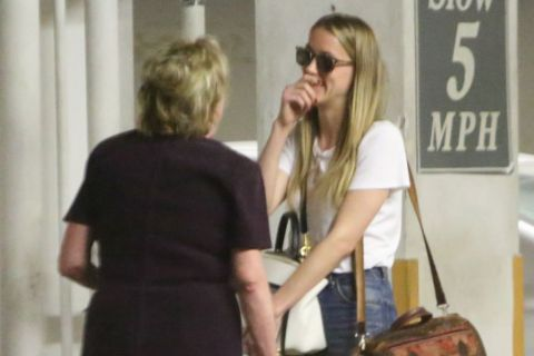 Amber Heard : Tout sourire, pendant que Johnny Depp croque son assistante...