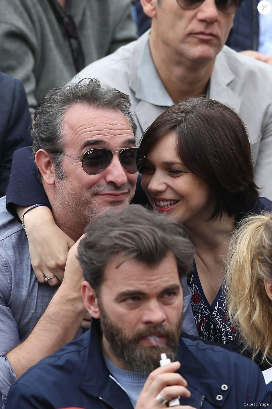 Clovis cornillac jean dujardin et sa compagne nathalie for Jean dujardin en couple