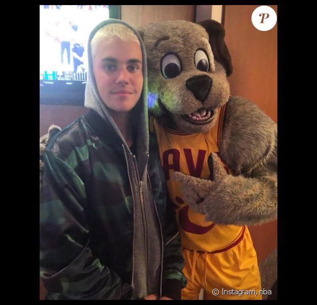 Justin Bieber assiste à un match de la NBA. Photo publiée sur Instagram, le 9 juin 2016
