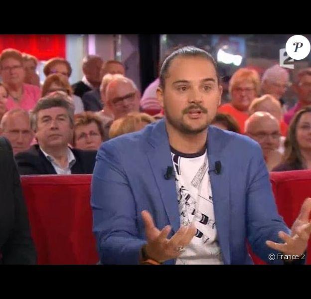 """Vincent Lagaf' : Sa femme Véronique et son fils Robin sur le plateau de """"Vivement Dimanche"""", dimanche 12 juin 2016, sur France 2"""