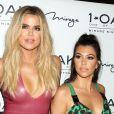 Khloe Kardashian, Kourtney Kardashian à la soirée d'anniversaire de Scott Disick au 1OAK Nightclub de l'hôtel The Mirage Hotel & Casino à Las Vegas, le 27 mai 2016