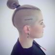 Kelly Osbourne s'est fait tatouer le crâne en hommage aux victimes de la tuerie d'Orlando. Photo publiée sur Instagram, le 14 avril 2016