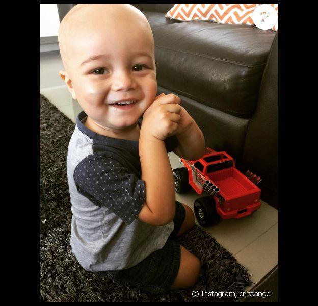Criss Angel a publié une photo de son fils Johnny, atteint d'une leucémie, sur sa page Instagram en avril 2016