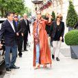 Céline Dion quitte le Royal Monceau pour prendre un jet privé au Bourget pour Anvers où elle doit donner 2 concerts - Paris le 19 juin 2016