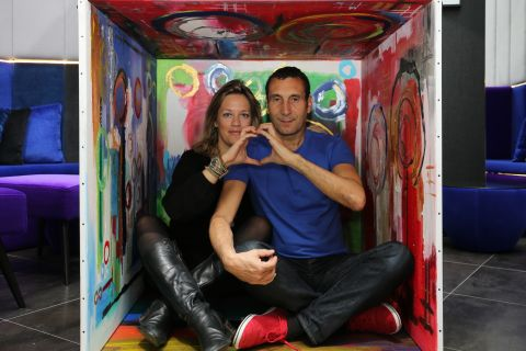 Zinedine Soualem, un amoureux fier de sa bien-aimée, l'artiste Caroline Faindt