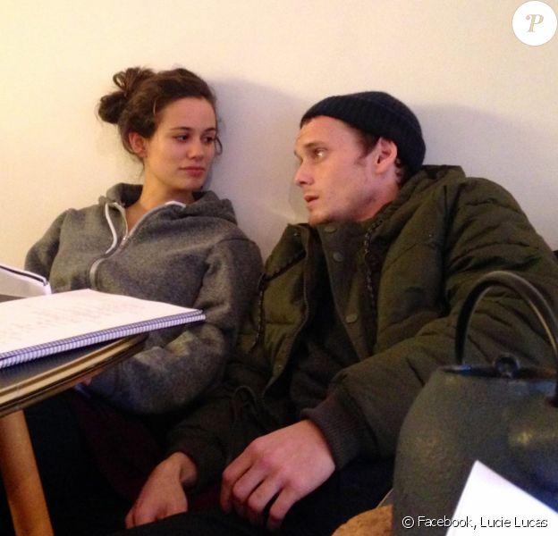 Des photos inédites sur le tournage de Porto Mon Amour avec Lucie Lucas et Anton Yelchin.