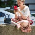 Exclusif - Lena Dunham dans les rues de New York, le 27 juin 2016.