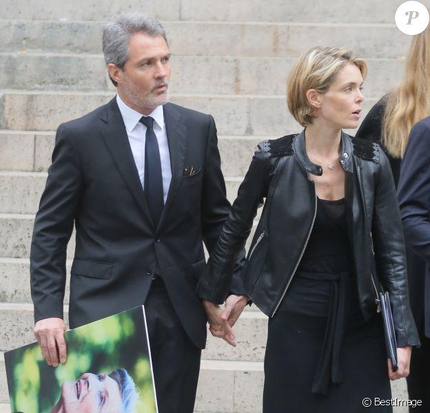 Julie Andrieu et son mari Stéphane Delajoux - Obsèques de Nicole Courcel en l'église Saint-Roch à Paris le 30 juin 2016.