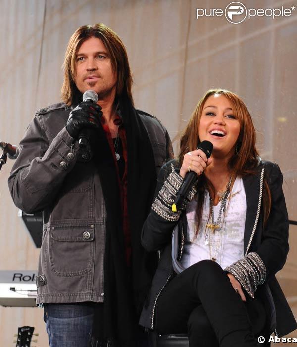 Miley Cyrus aux CMA Awards
