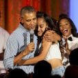 Barack Obama chante un Joyeux Anniversaire à sa fille Malia qui célèbre ses 18 ans, le 4 juillet 2016. Vidéo publiée sur Youtube, le 4 juillet 2016