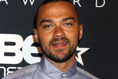 Grey's Anatomy : Jesse Williams réagit à la pétition demandant son renvoi...