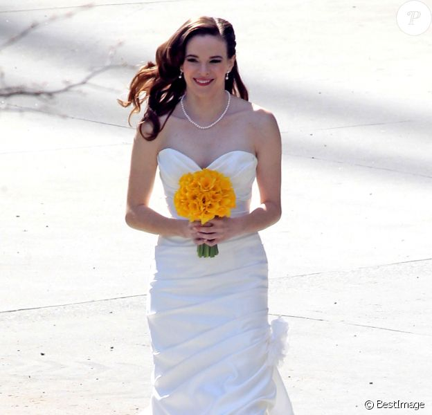 """Exclusif - Exclusive... Stars from the hit TV series """"The Flash"""" film a wedding scene with actors Robbie Amell and Danielle Panabaker on April 1, 2015 in Vancouver, Canada. Stars from the hit TV series """"The Flash"""" film a wedding scene with actors Robbie Amell and Danielle Panabaker on April 1, 2015 in Vancouver, Canada. Pictured: Danielle Panabaker lors du tournage de la scène de mariage des acteurs Robbie Amell et Danielle Panabaker, un moment important de la série """"Flash"""", à Vancouver, le 1er avril 2015.  Exclusive - For Germany Call For Price - Stars from the hit TV series """"The Flash"""" film a wedding scene with actors Robbie Amell and Danielle Panabaker on April 1, 2015 in Vancouver, Canada.01/04/2015 - Vancouver"""