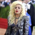 """La chanteuse Lady Gaga - Soirée Costume Institute Benefit Gala 2016 (Met Ball) sur le thème de """"Manus x Machina"""" au Metropolitan Museum of Art à New York, le 2 mai 2016."""