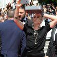 """Kristen Stewart s'amuse à côté de son ex-compagne Alicia Cargile - Arrivées à la montée des marches du film """"American Honey"""" lors du 69ème Festival International du Film de Cannes. Le 15 mai 2016."""