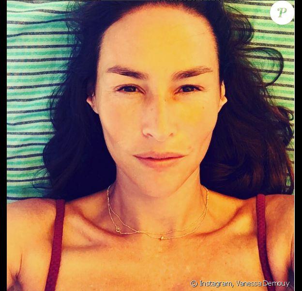 Vanessa Demouy en vacances en Corse